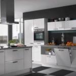 6-bucatarie moderna cu mobila alba si pereti gri