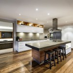 6-bucatarie moderna dotata cu insula bar