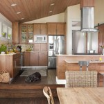 6-bucatarie noua mobilier din lemn dupa renovarea casei