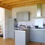 6-bucatarie traditionala casa lemn mici dimensiuni