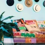 6-decor living colorat amenajat ins til boho chic cu palarii