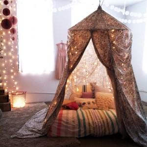 6-dormitor decorat cu luminite si becuri led pentru pomul de iarna