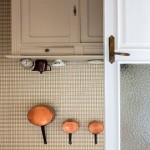 6-dulap bucatarie casa cu fundul in sus creatie artist jean francois fourtou