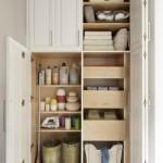 6-dulap utilitar in care sunt pastrati detergentii si produsele de curatat