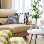 6-exemplu-de-asortare-e-doua-seturi-de-pernute-decorative-in-decorul-aceluiasi-living