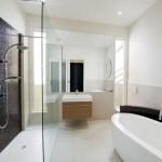 6-idee amenajare baie moderna in gri deschis si negru