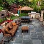 6-idee de amenajare a unei curti de mici dimensiuni cu pavele si mobilier de exterior