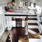 6-interior casa foarte mica tip cabanuta cu baie bucatarie si dormitor