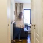 6-intrare in bucataria living a apartamentului de 49 mp cu 2 camere