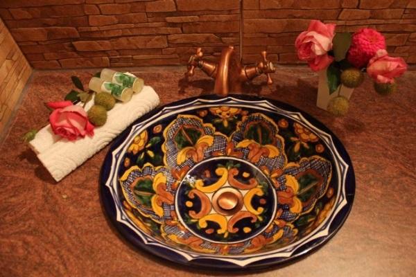 lavoar ceramica pictata baie cazare intermediara Grecia