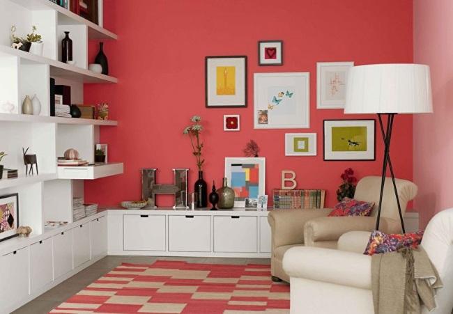 6-living modern mic perete rosu si mobila alba