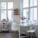 6-loc de luat masa amenajat in fara ferestrei din bucatarie