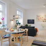6-loc de luat masa amenajat in spatele canapelei din living