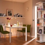 6-loc-de-luat-masa-cu-masa-alba-si-scaune-verde-olive