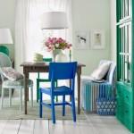 6-loc de luat masa cu scaune in diferite forme si culori