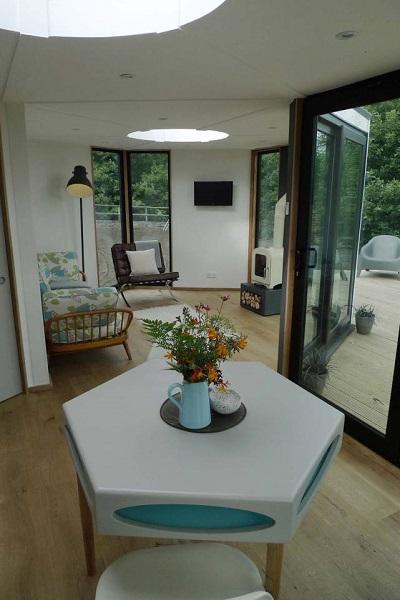 6-loc de luat masa si living casa modulara hexagonala in forma de fagure