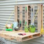 6-masuta de gradinarit confectionata din doi paleti de lemn reciclati