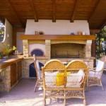 6-model bucatarie de vara zidita placata cu piatra cu cuptor chiuveta gratar si plita