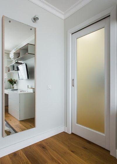 6-oglinda de perete cu masa de calcat extensibila integrata