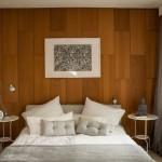 6-perete de accent placat cu lemn in amenajarea si decorarea unui dormitor mic