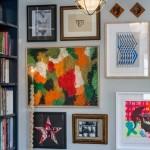 6-perete living mic decorat cu tablouri inramate