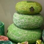 6-pernute decorative de podea confectionate din pungi de plastic reciclate