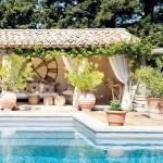 6-piscina in curtea casei din Luberon Provence