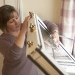 6-spalarea geamurilor si tamplariei din casa