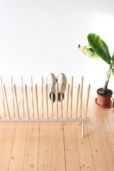 6-suport vertical din lemn pentru mai multe perechi de pantofi