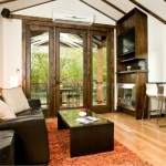 6-tamplarie si mobila din lemn masiv living modern mic 37 mp