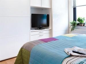 6-televizor integrat in dressing mare dormitor modern