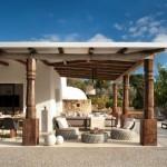 6-terasa acoperita cu loc de luat masa si canapele
