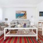 7-amenajare living scandinav cu accente colorate rosii si portocalii