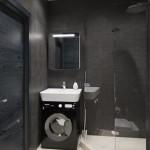 7-baie moderna mica amenajata in alb si gri inchis cu cabina de dus si masina spalat sub lavoar