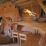 7-bar loc de luat masa interior casa in copac Dol de Bretagne Franta