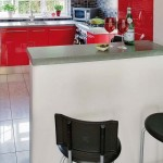 7-bar mic dejun bucatarie moderna decorata in rosu alb si gri