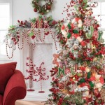 7-brad-de-craciun-plin-cu-globuri-si-diverse-ornamente-frumoase