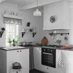 7-bucatarie cu mobila alba si blat din lemn casuta taraneasca Polonia