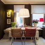 7-bucatarie moderna sobra decorata in gri cu accente albe si maro