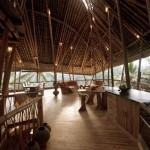7-bucatarie si living open space casa din bambus Bali Indonesia