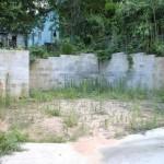 7-curtea paraginita a casei in ruine inainte de renovare