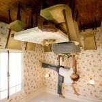 7-dining casa cazuta din cer creatie artist jean francois fourtou