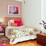 7-dormitor alb mic cu perete zugravit in bej cafea cu lapte