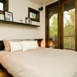 7-dormitor cu iesire pe terasa casa mica lemn 37 mp