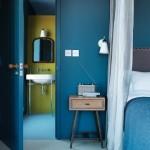 7-dormitor decorat in alabstru Snorkel Blue asortat cu Buttercup si Iced Coffee