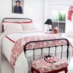 7-dormitor decorat in alb si rosu