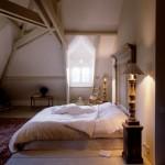 7-dormitor mansardat cu tablie de pat supradimensionata interior stil provence