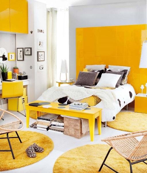 7-dormitor modern decorat in alb cu galben intens