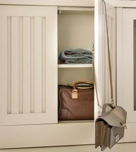 7-dulap proiectat sub fereastra in apropierea caloriferului