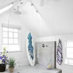 7-dupa transformare o baie spatioasa cu cabina de dus uriasa din sticla in mansarda